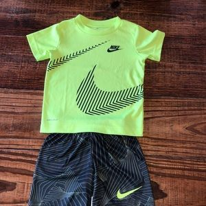 Nike Boys DRI-FIT 2 piece set